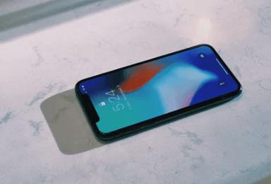 """【苹果中国""""以旧换新""""活动延期至3月,瞄准iPhone 老用户】 近日,苹果中国宣布,将延长iPhone XS(包含iPhone XS Max)和iPhone XR的以旧换新活动时长,最后期限由2月17日延长至3月25日。"""