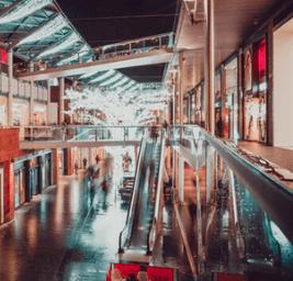 【中國連鎖經營協會:2018-2019年度中國購物中心發展力報告】 該報告從從宏觀經濟大勢、購物中心租賃活躍度、運營表現、成本支出和未來預期五個維度對中國購物中心發展表現進行綜合評價,指出在國內消費持續活躍,居民需求持續升級的背景下,購物中心發展力繼續處于積極區間,業主對未來經營預期整體向好。