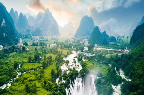 【贝恩公司:新思路,新公益—中国企业之社会责任之路报告】报告显示,伴随经济全球化不断发展,世界各国之间前所未有地紧密相连,激发了人们对于生态一体化和人类命运共同体的深刻思考与不懈追求。